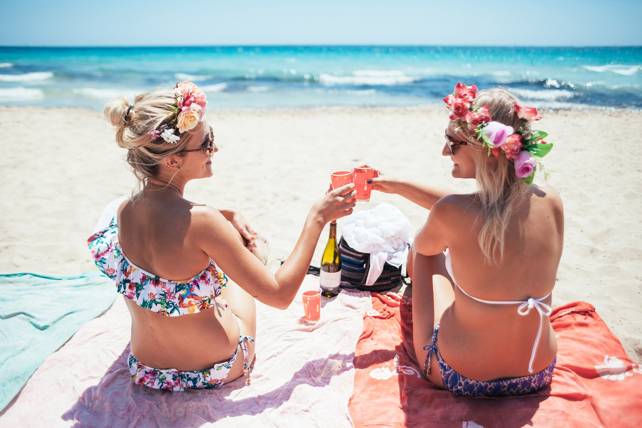 mikuta beach days