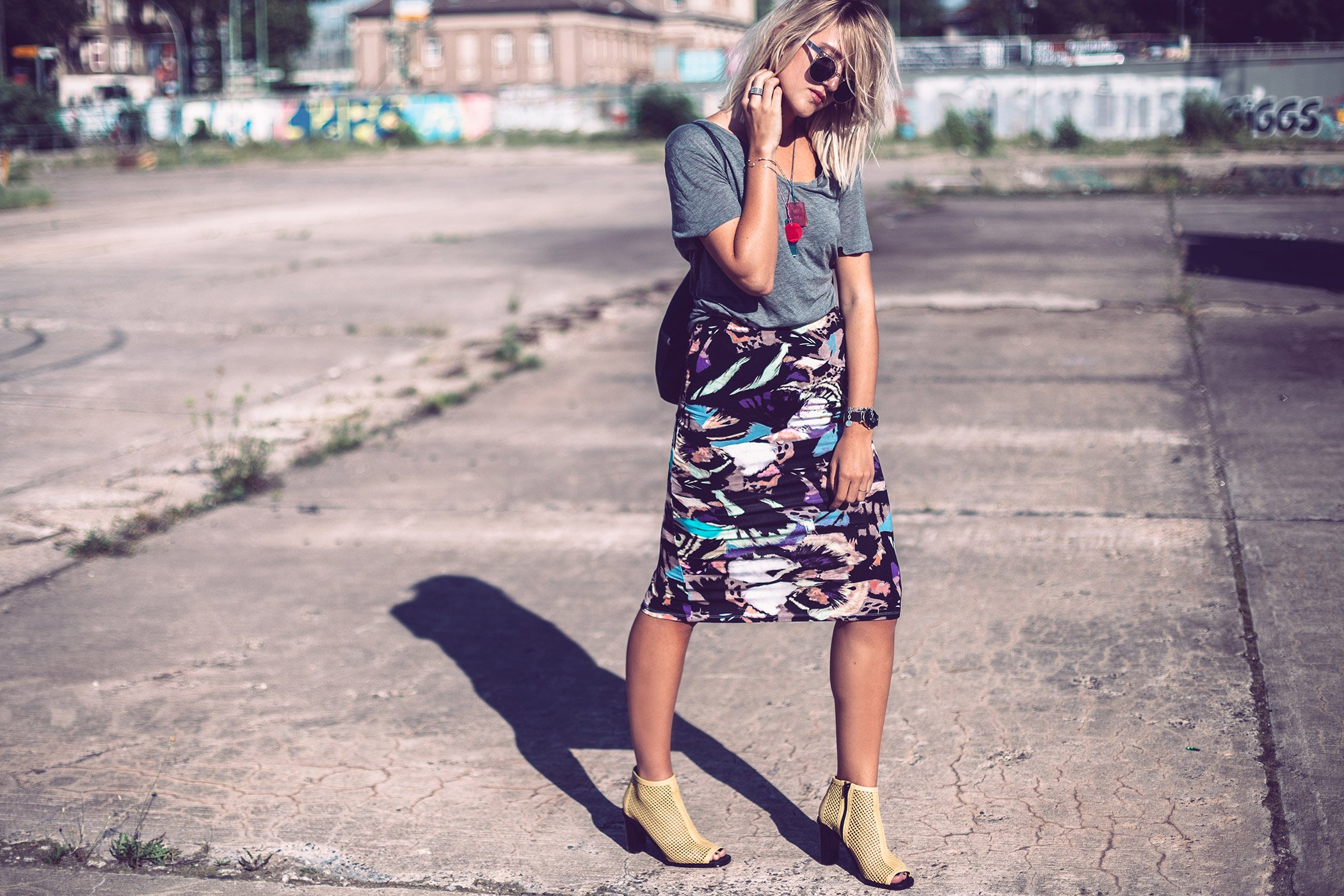 mikuta in monki skirt and bimba y lola shoes