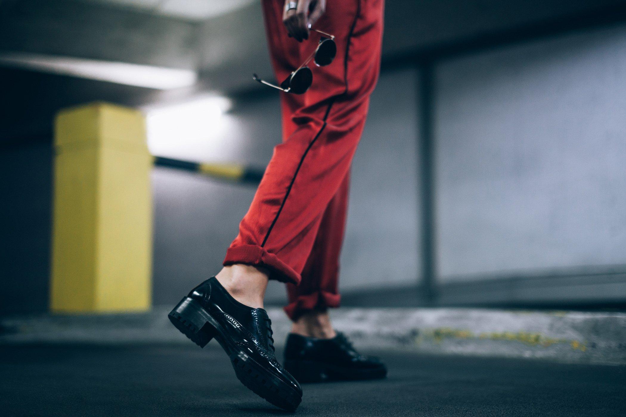 mikuta-in-red-ganni-suit-9
