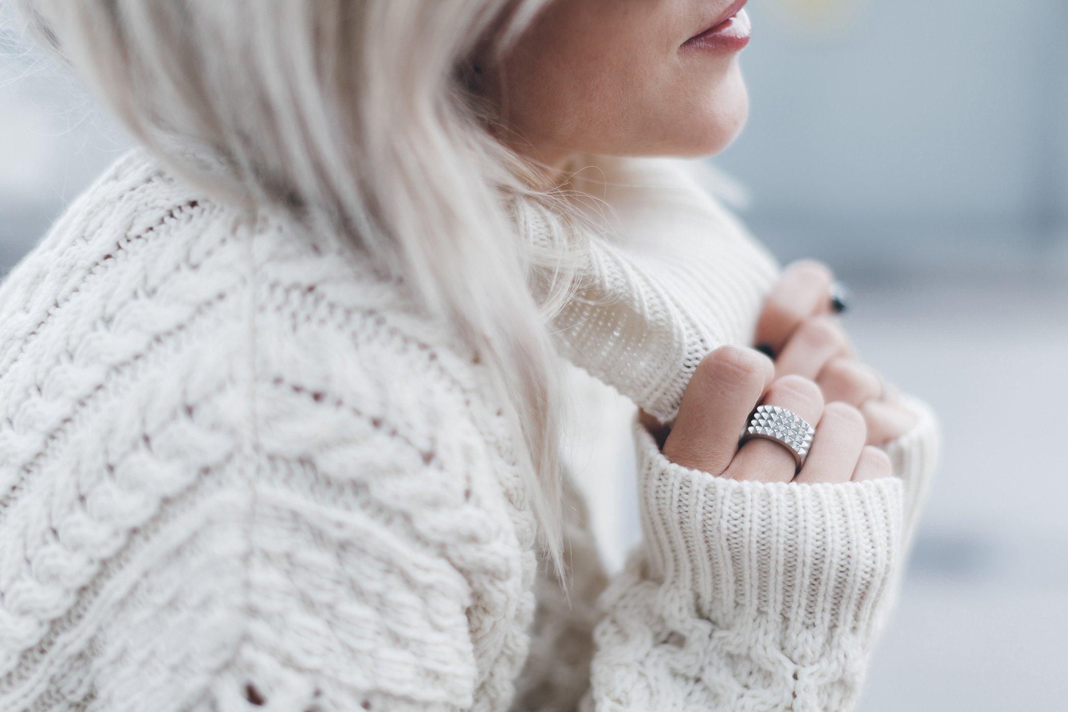 mikuta-with-a-wool-sweater-7