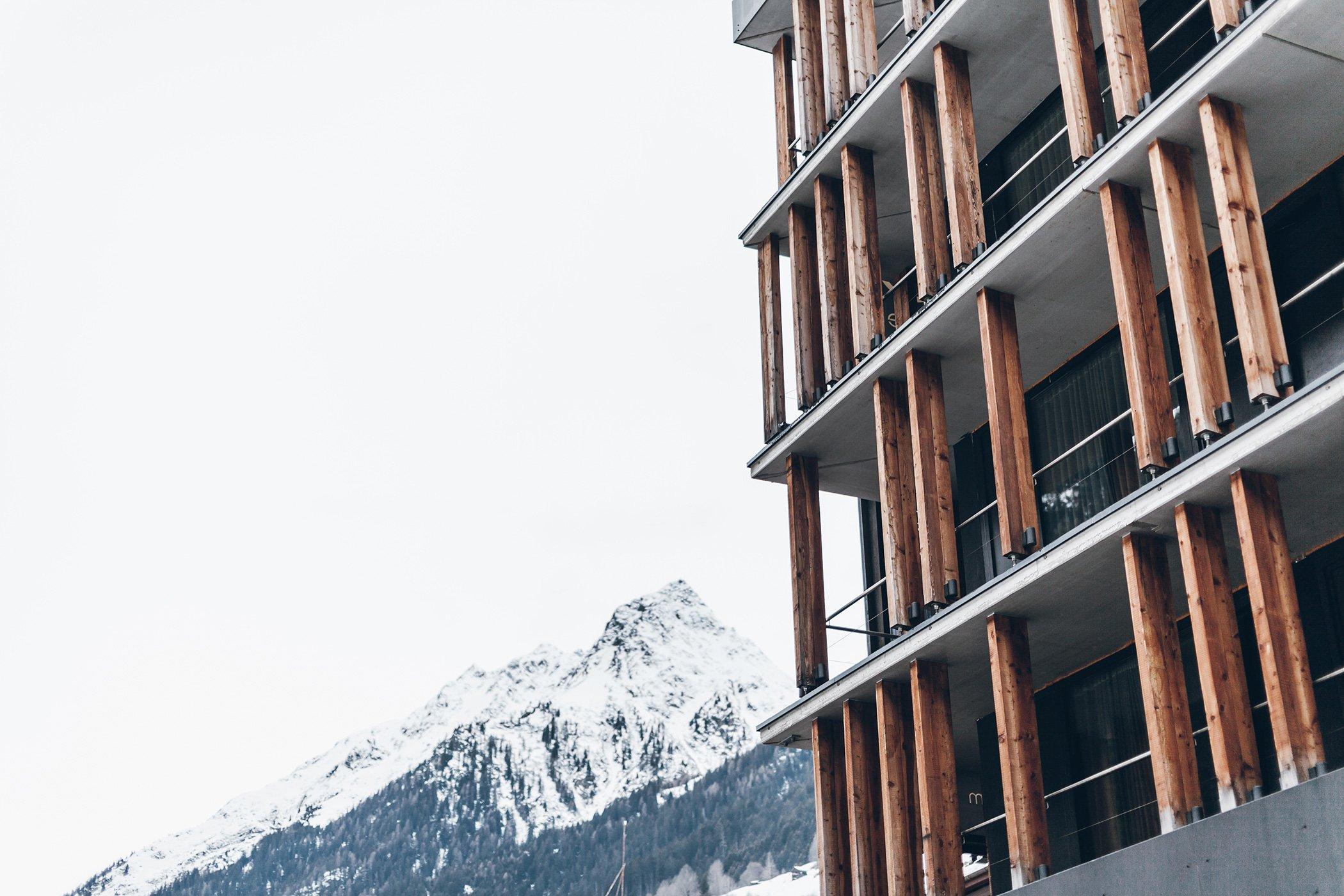 dark cozy in zhero hotel austria. Black Bedroom Furniture Sets. Home Design Ideas