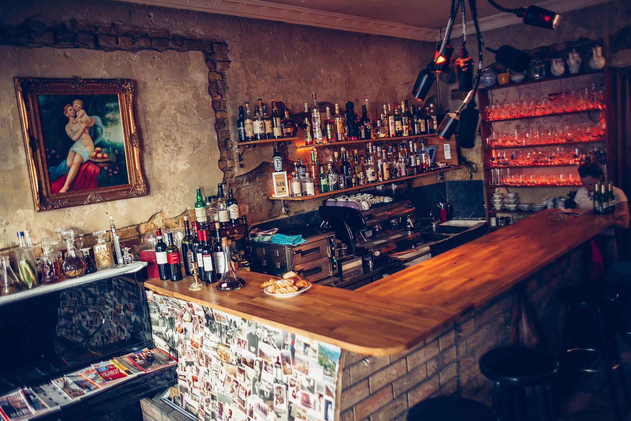 mikuta at bruch bar in neukölln