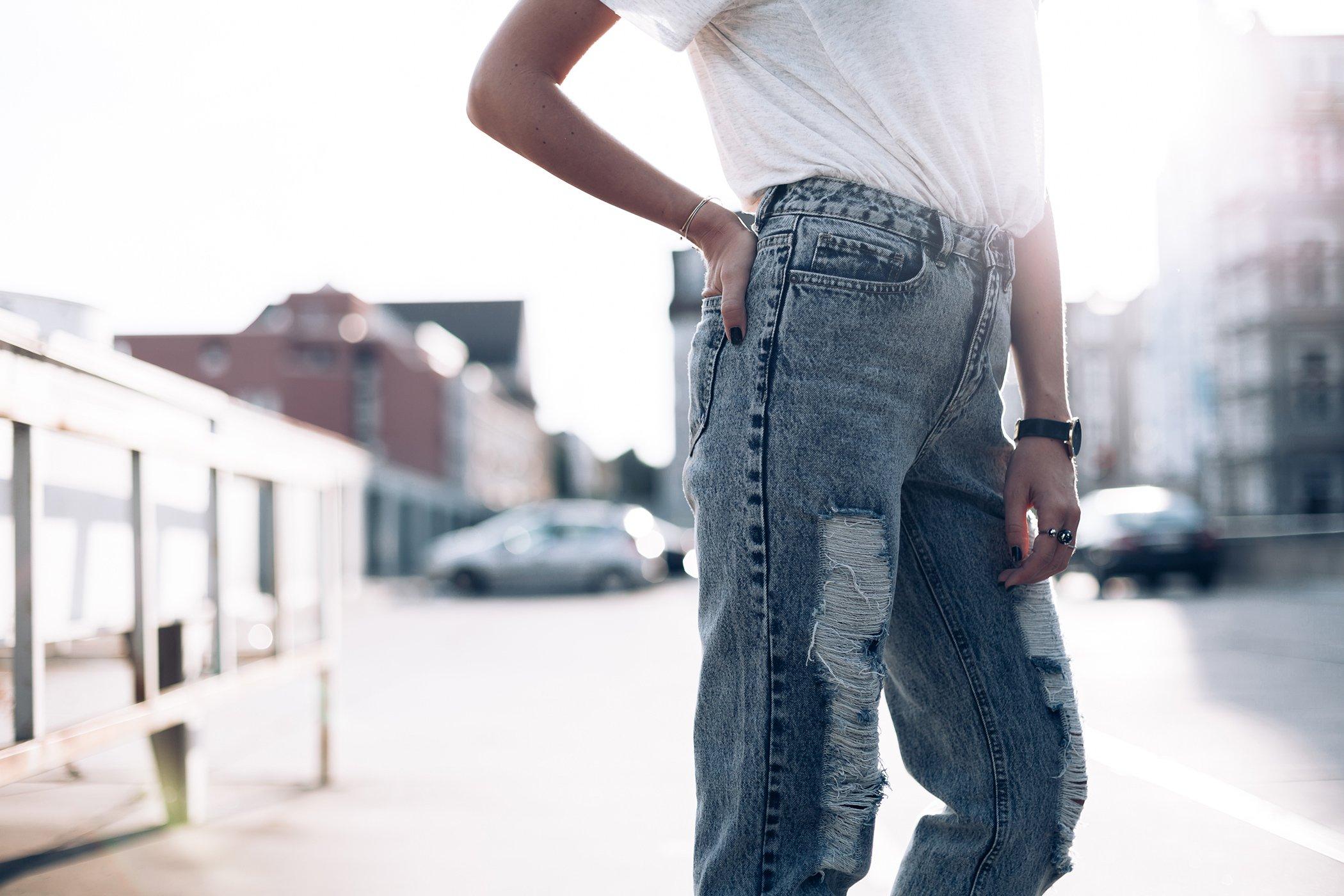 mikuta-loves-her-jeans-11