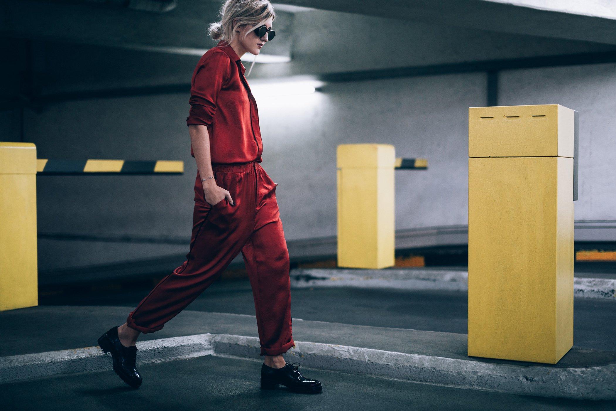 mikuta-in-red-ganni-suit-1