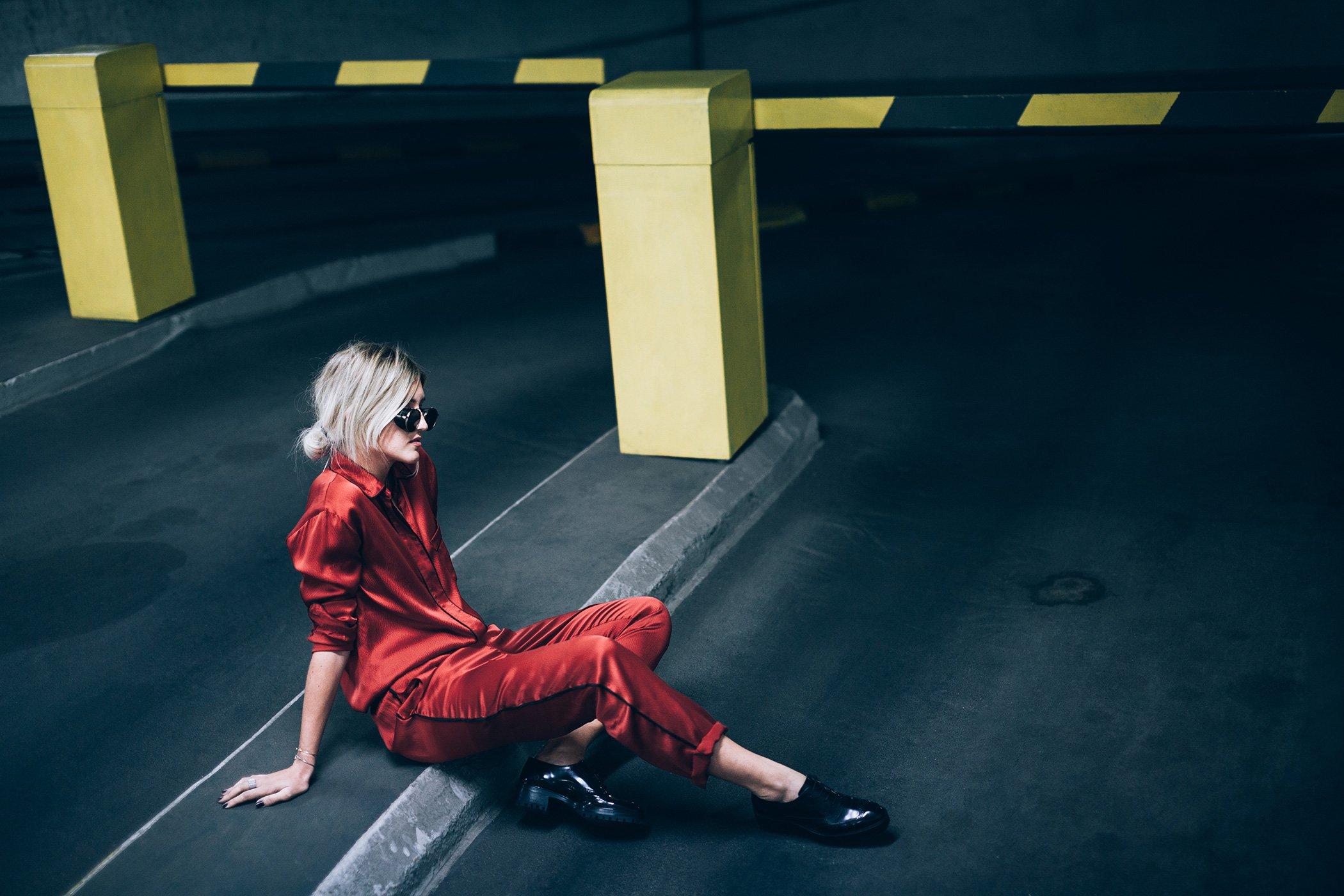 mikuta-in-red-ganni-suit-11
