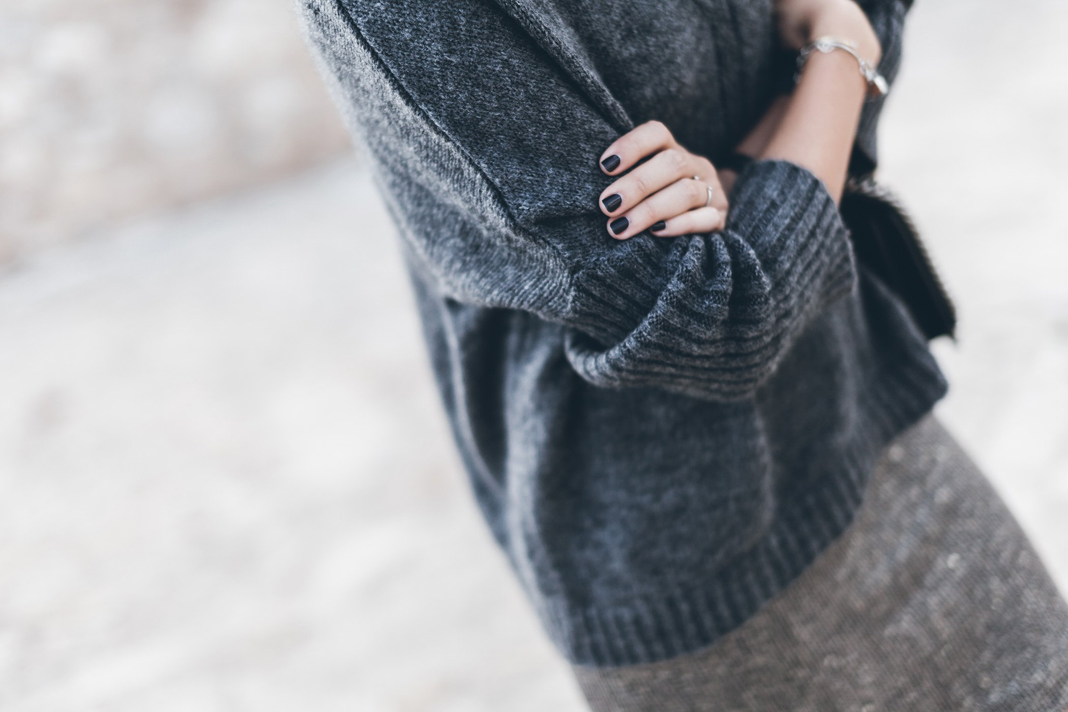 mikuta-cozy-in-vila-sweater-6