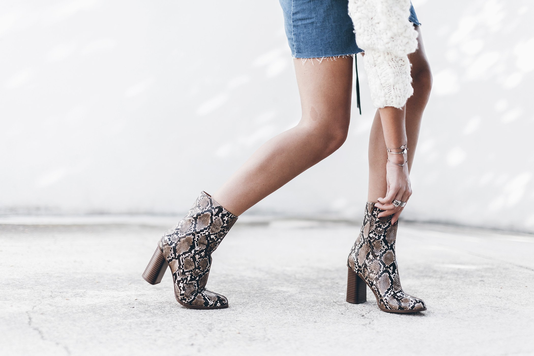 mikuta-snake-boots-and-denim-skirt-2