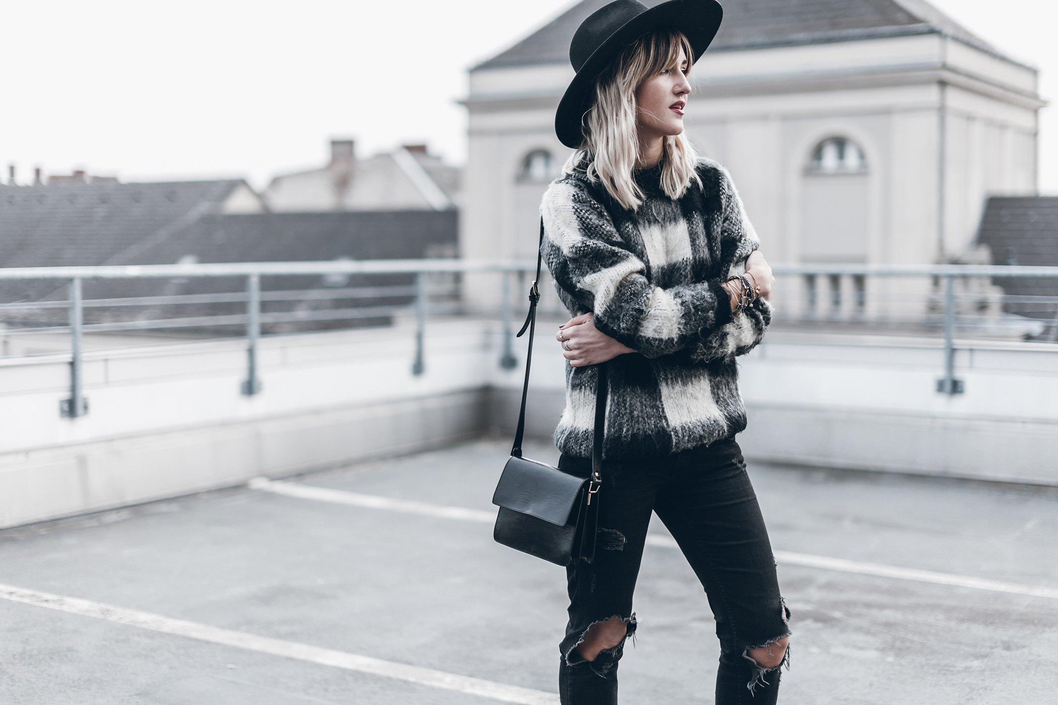 mikuta-edited-sweater-15