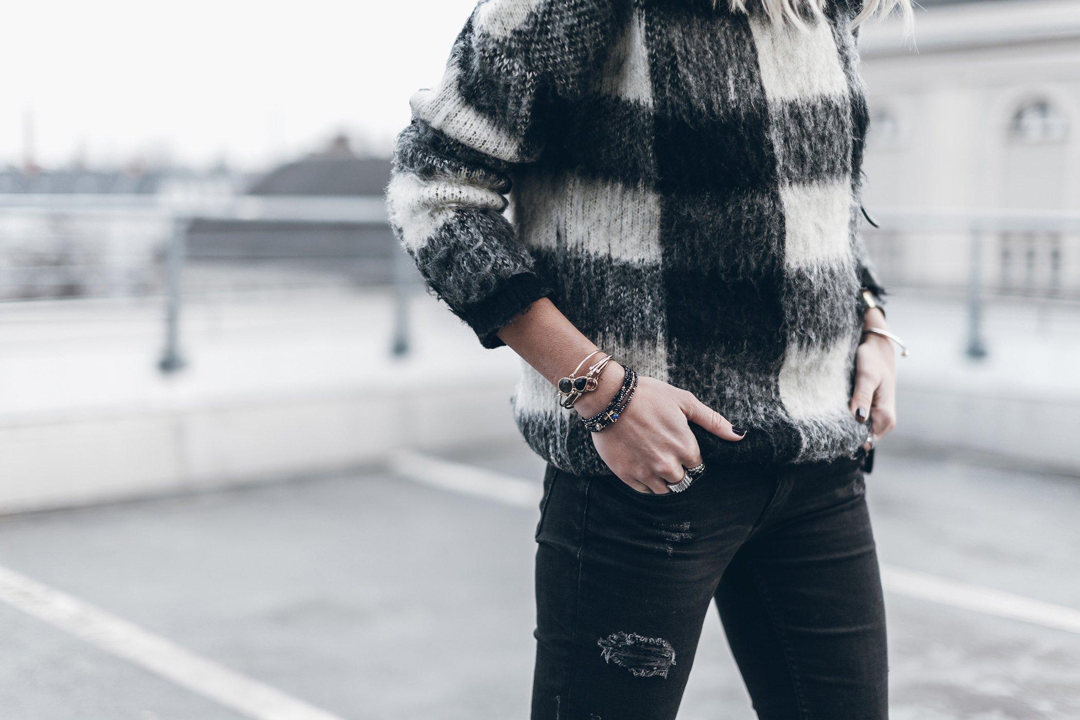 mikuta-edited-sweater-9a