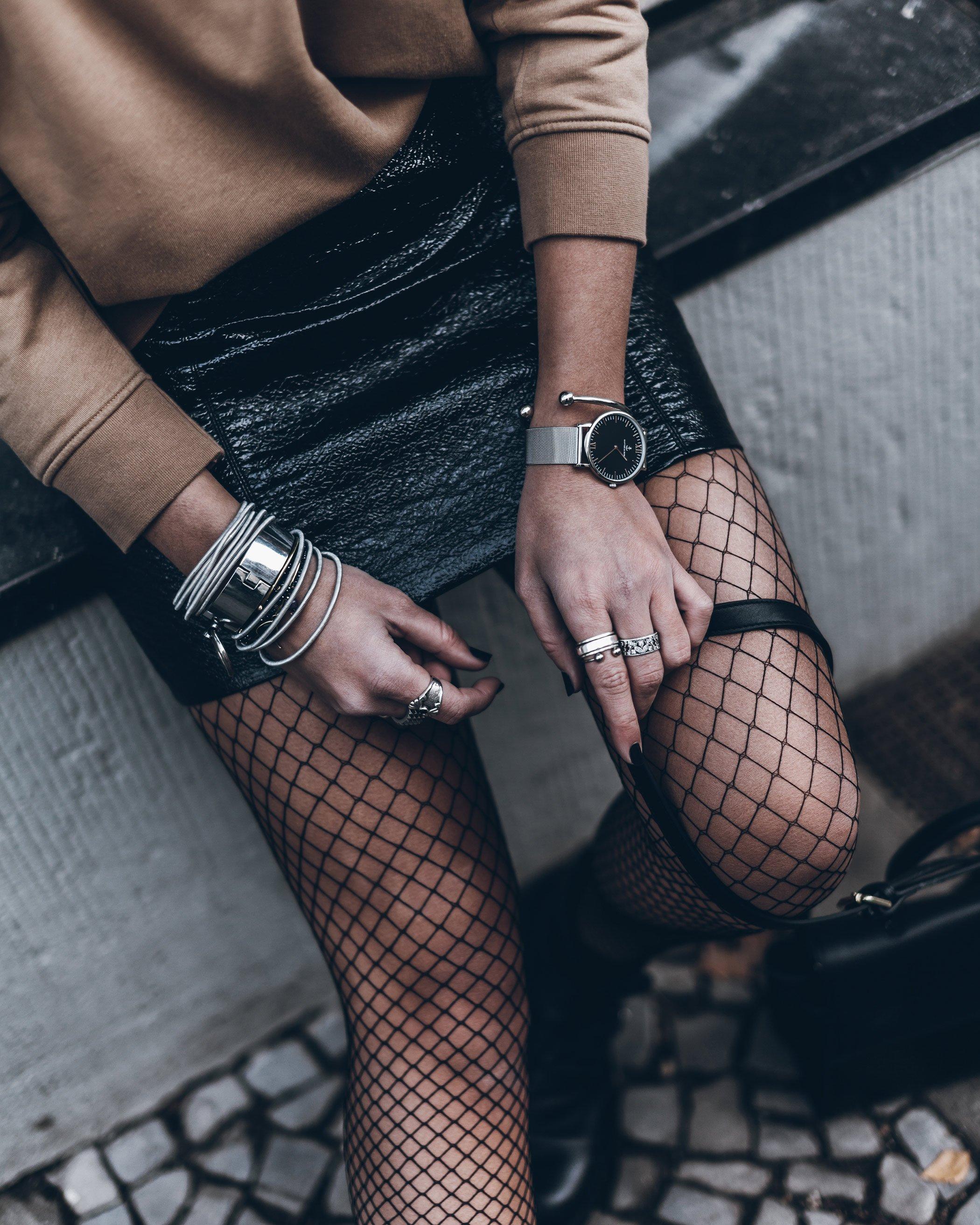 mikuta-patent-leather-skirt-11