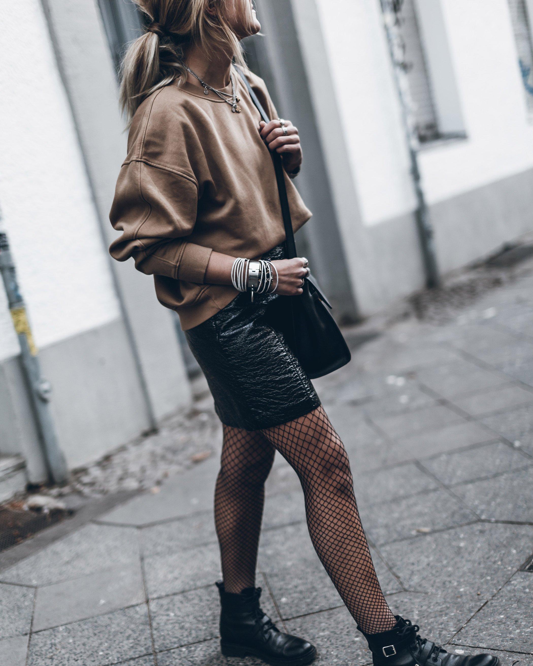 mikuta-patent-leather-skirt-13