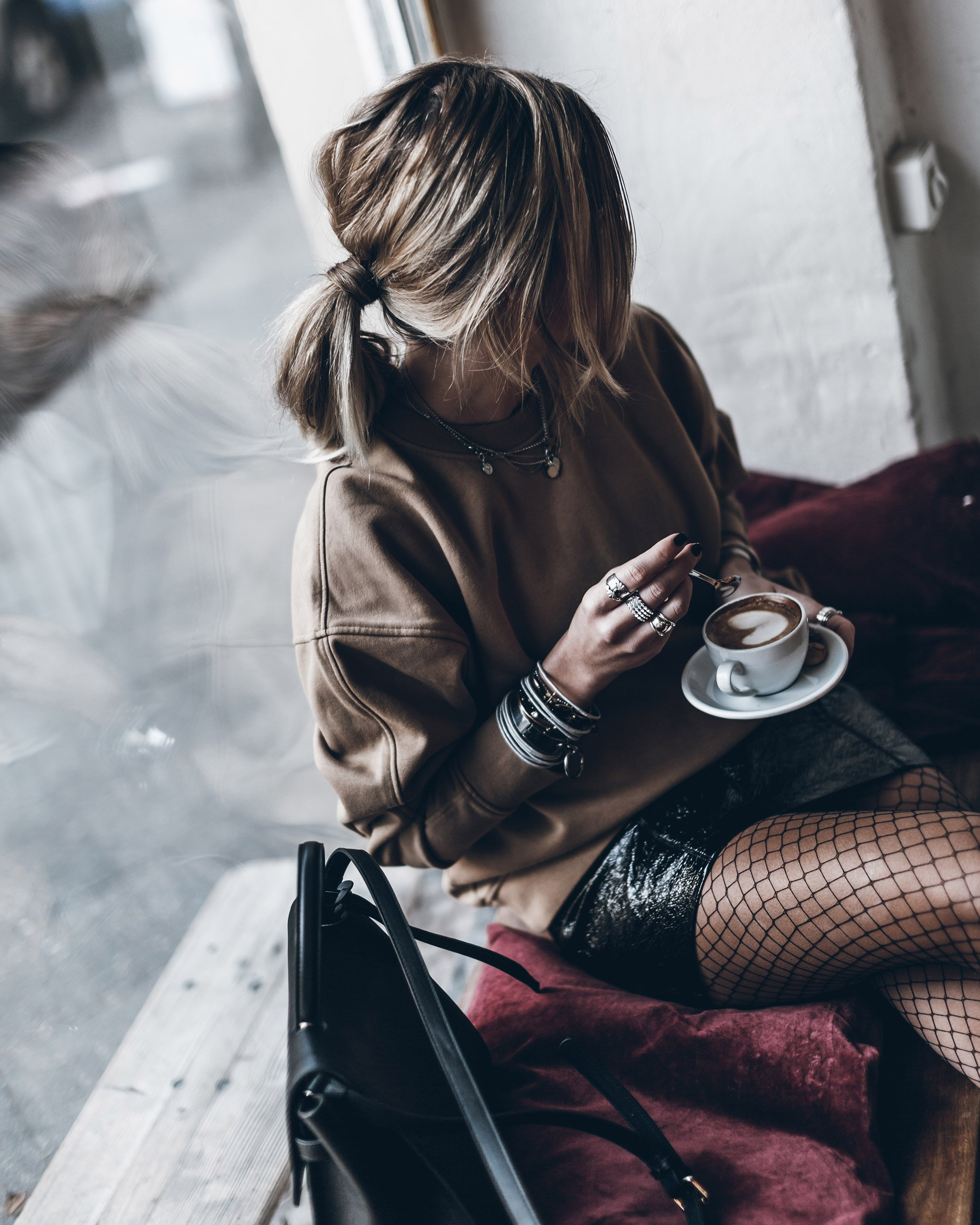 mikuta-patent-leather-skirt-15