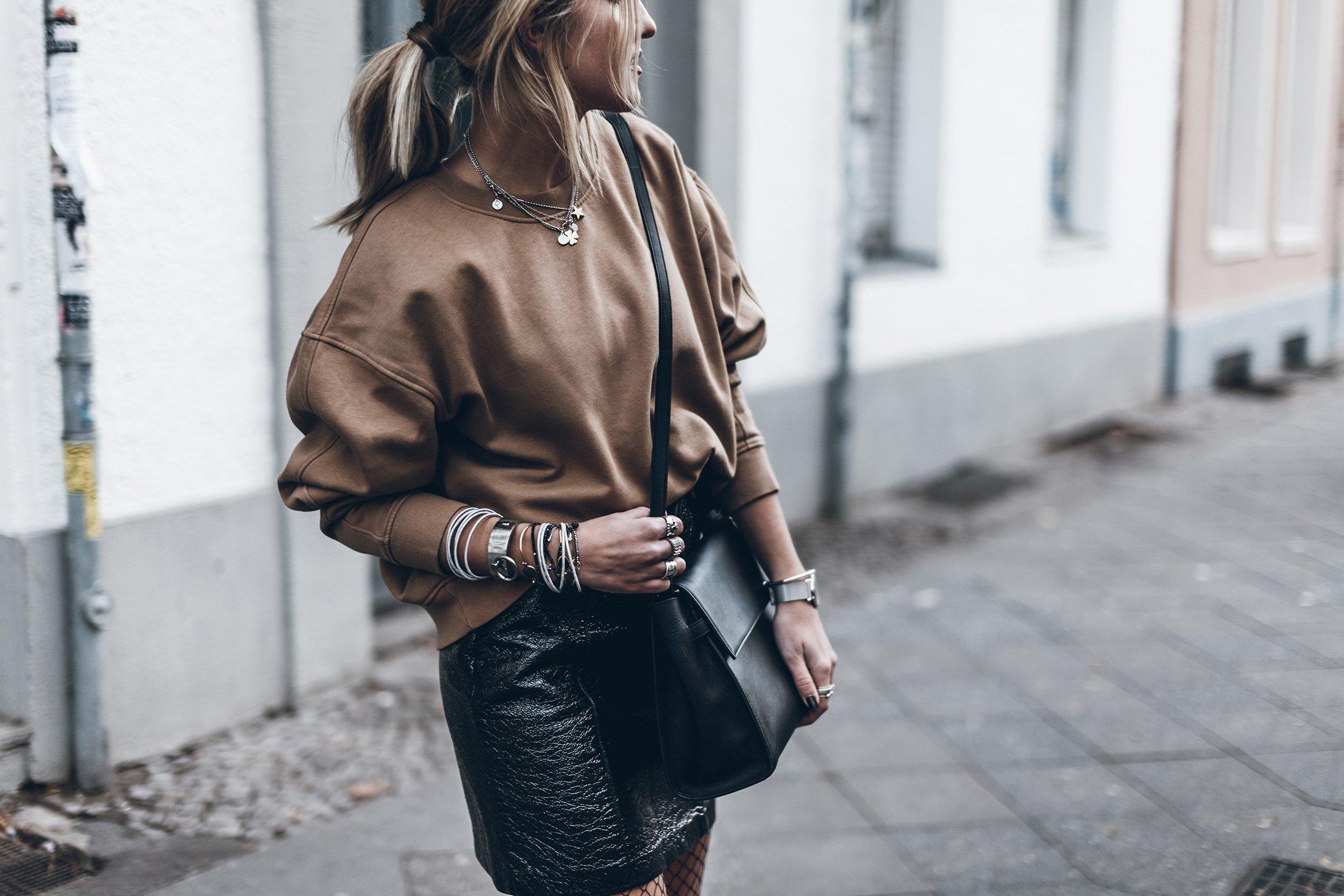 mikuta-patent-leather-skirt-3