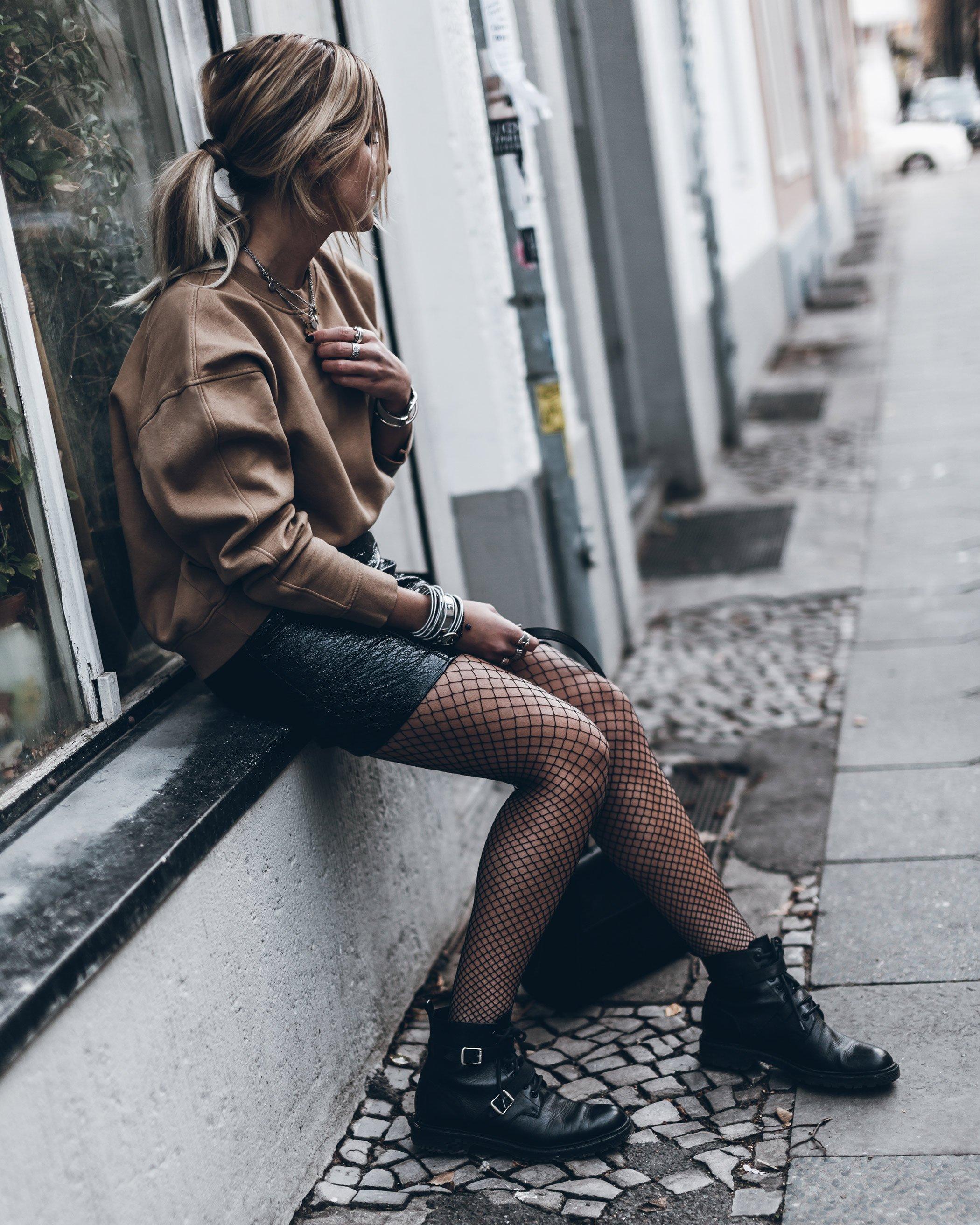 mikuta-patent-leather-skirt-9