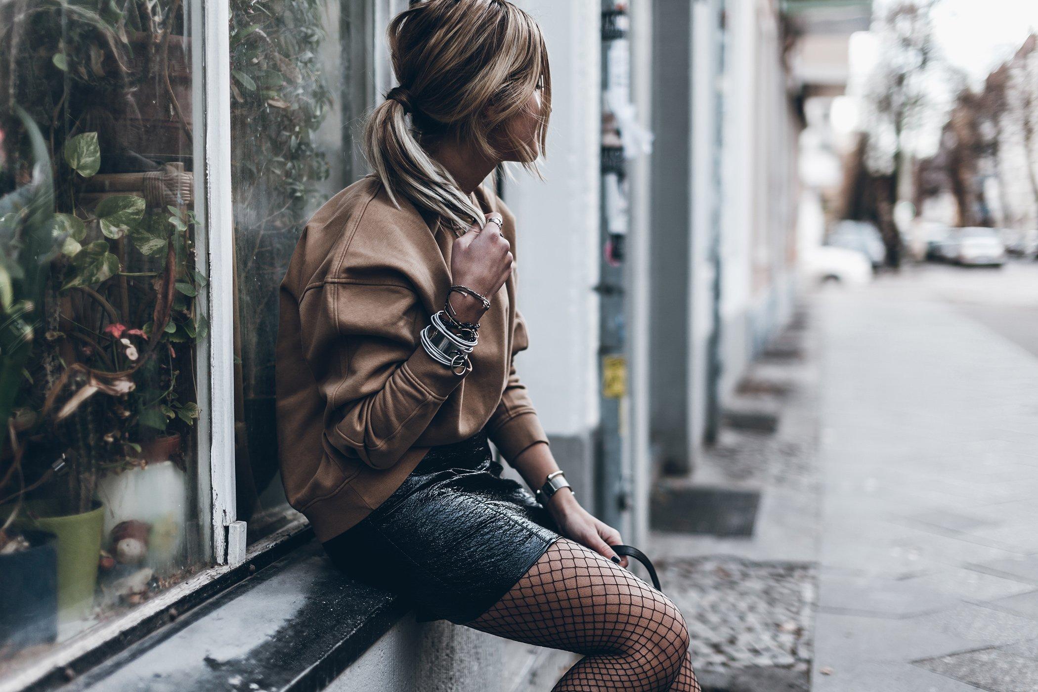 mikuta-patent-leather-skirt